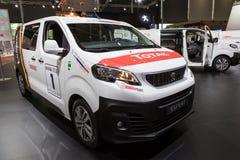 Ny Peugeot expertskåpbil royaltyfri bild