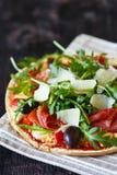 Ny pizza. Arkivfoton