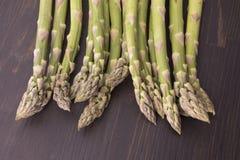 Ny rå grön sparris Fotografering för Bildbyråer