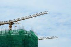ny residental lokal för konstruktionskranhus Arkivbilder