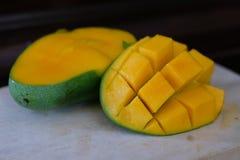 Ny söt mango royaltyfria bilder
