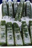 Ny söt smak för grönsakvatten från trädgården i countren Arkivfoton