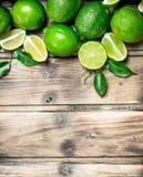 ny saftig limefrukt royaltyfria bilder