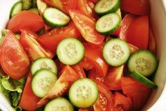 ny salladtomat för gurka Royaltyfria Foton