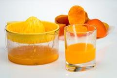 ny sammanpressad fruktsaftorange Arkivfoto
