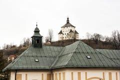 Ny slott i Banska Stiavnica, historisk minning stad som är slovakisk Royaltyfri Bild