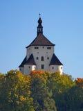 Ny slott i Banska Stiavnica, Slovakien Arkivbilder