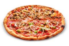 Ny smaklig pizza på vit bakgrund Royaltyfria Foton