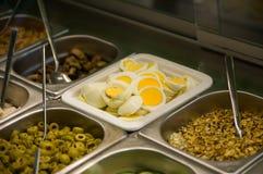 Ny snabbmat i en generisk restaurang Arkivfoto