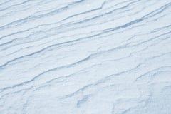 ny snowtextur Vinterbakgrund med snöflingor och snökullar Snö klumpa sig arkivfoto