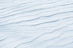 ny snowtextur Vinterbakgrund med snöflingor och snökullar Snö klumpa sig arkivbild