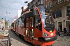 Ny spårvagn i förgrunden i Katowice Arkivbilder