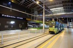 Ny spårvagnlinje i tunnel i Poznan, Polen Arkivfoton