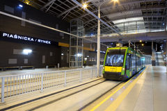 Ny spårvagnlinje i tunnel i Poznan, Polen Arkivbild