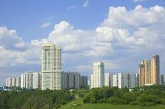 ny stigning för byggnader high arkivbild