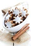 ny stjärna för kanelbruna kakor Arkivbild