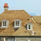 ny taklägga shake för home hus royaltyfri bild