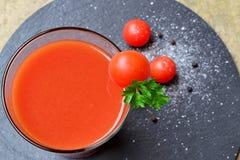 Ny tomatfruktsaft Royaltyfria Foton