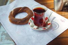 Ny turkisk bagel - simit royaltyfria foton