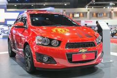 Ny upplaga av Manchester Unitedbilen av Chevrolet på den 35th Bangkok internationella motoriska showen, begreppsskönhet i drevet p Fotografering för Bildbyråer