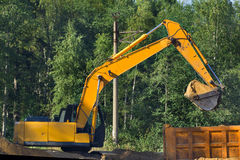 Ny väg för konstruktionstransportbyggande absolut Royaltyfri Foto