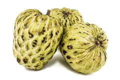 Ny vaniljsås Apple eller mogna Sugar Apple Fruit Annona, sweetsop som isoleras på vit bakgrund på med den snabba banan/brunn-fili Arkivfoto