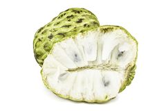 Ny vaniljsås Apple eller mogna Sugar Apple Fruit Annona, sweetsop som isoleras på vit bakgrund på med den snabba banan/brunn-fili Royaltyfri Fotografi