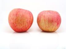 Nya äpplen på vit Royaltyfria Foton