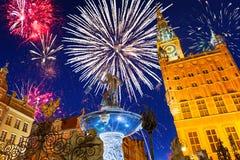 Nya år fyrverkeriskärm i Gdansk Arkivbilder