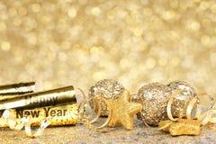 Nya år guld- partibakgrund för helgdagsafton royaltyfria foton