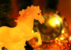 Nya år helgdagsaftonberömbakgrund med hästen Royaltyfria Foton