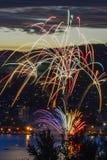 Nya år helgdagsaftonbrandarbeten Arkivfoton