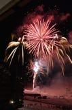 Nya år helgdagsaftonfyrverkerier på Plagne Bellecote, Frankrike Arkivbild
