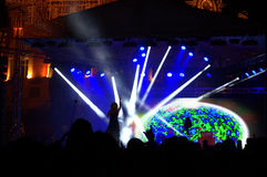 Nya år helgdagsaftonkonsert på fyrkanten Royaltyfri Fotografi