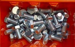 Nya aluminiumnitar i lagringsasken arkivfoto