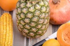 Nya ananas och grönsaker Royaltyfri Fotografi