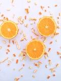 Nya apelsin och skivor Royaltyfria Foton