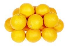 Nya apelsiner (den citrusa sinensisen) Arkivbild