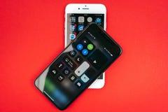 Nya Apple Iphone X och iPhone 6S Fotografering för Bildbyråer
