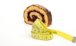 Nya bakade Plum Jam Roll Cake Arkivbild