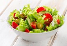nya blandade salladgrönsaker Arkivfoto