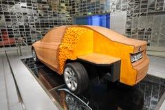 Nya BMW F30 leramodell för 3 serie på skärm i BMW museet Arkivfoton