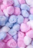 Nya bomullsbollar, mångfärgad bakgrund för abstact Royaltyfria Bilder