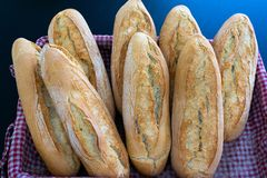 Nya bröd som bakas nytt arkivbild