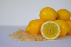 Nya citroner med Sugar Canes Arkivfoton