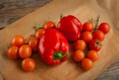 Nya coctailtomater och röda peppar Fotografering för Bildbyråer