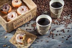 Nya donuts som ska tas bort Arkivfoton