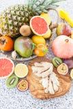 Nya exotiska frukter Arkivfoton