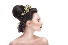 Nya frisyrer för brudar Royaltyfria Bilder
