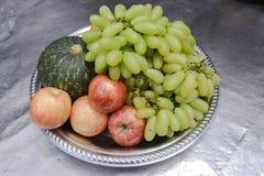 nya frukter Blandad fruktbakgrund Sunt äta och att banta, förälskelsefrukter Royaltyfria Foton